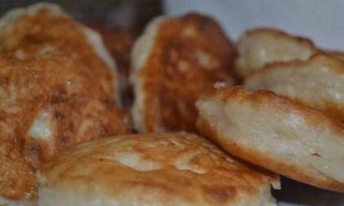 Оладьи на воде: рецепт оладушек с яйцами, как приготовить и сделать, как заводить тесто из муки, на кефире и с кипятком