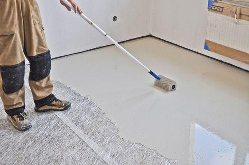 Naplnenie objemnej podlahy v dvoch vrstvách