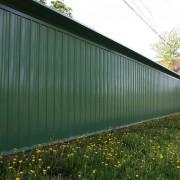 зеленый забор из профнастила